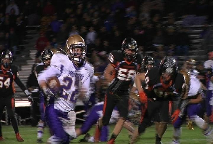 Durand's Josh Biesterveld runs for a TD as the Panthers clinch a share of the DSC title