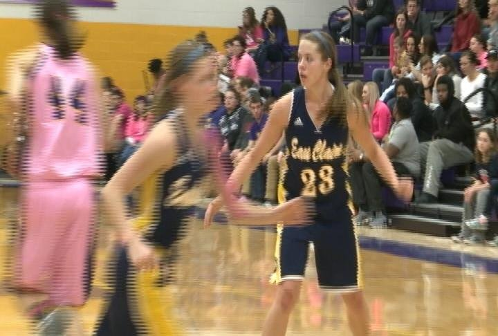 Eau Claire can't complete the comeback, falling to the Pointers on the road