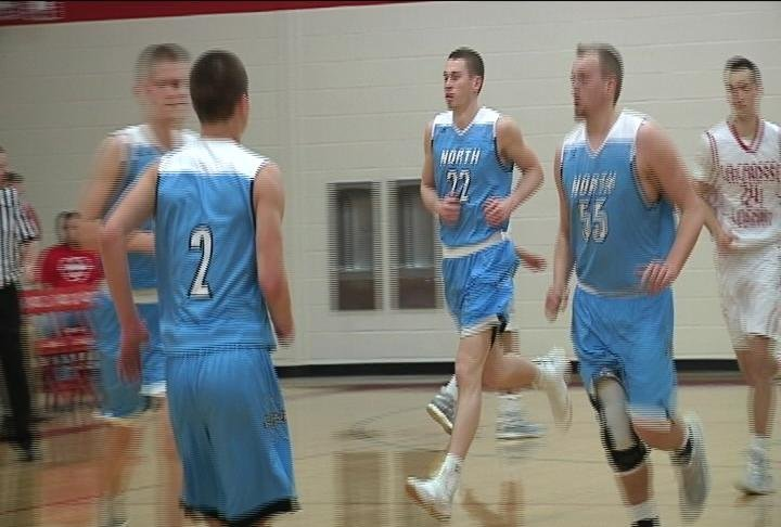 Austin Werdin (#22) scores 29 points as EC North rallies past La Crosse Logan