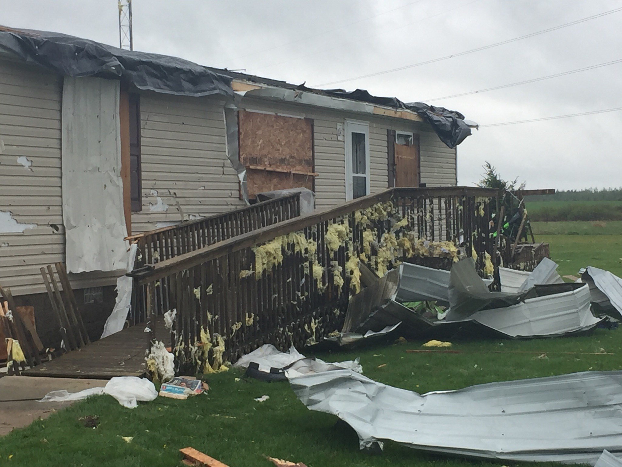 1 death as tornado hits Oklahoma subdivision