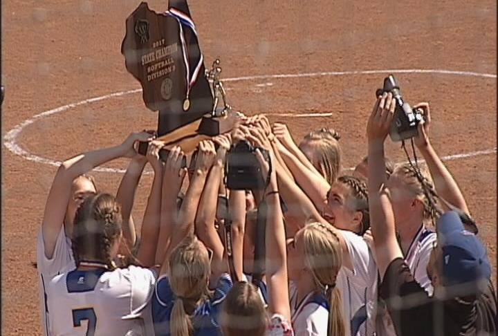 McDonell Central celebrates a Division 5 state title