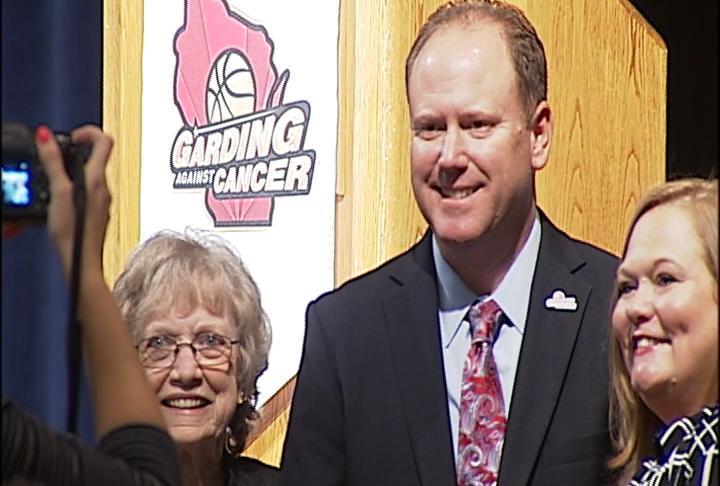 "Wisconsin's Greg Gard hosts ""Garding Against Cancer"" at UW-Stout"