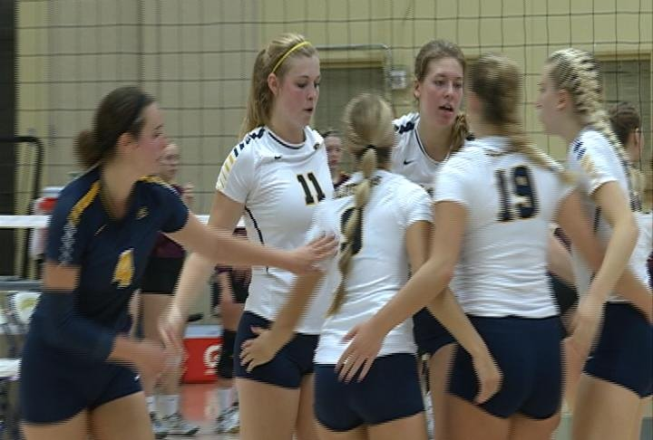 The Blugolds sweep the Cobbers