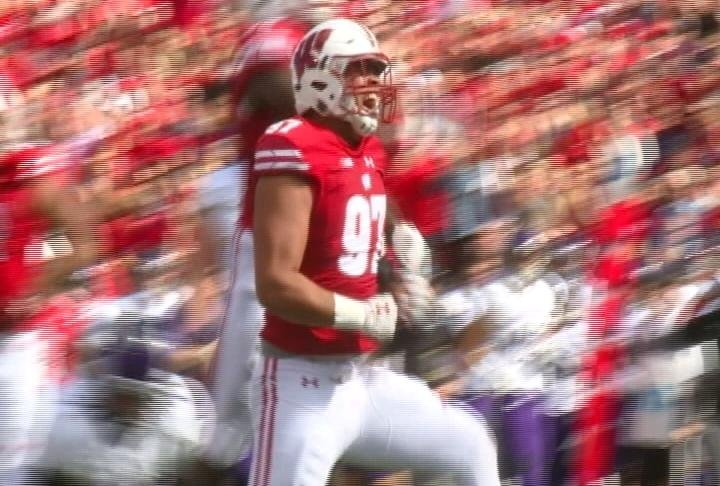 Isaiahh Loudermilk records one of Wisconsin's 10 sacks against Northwestern