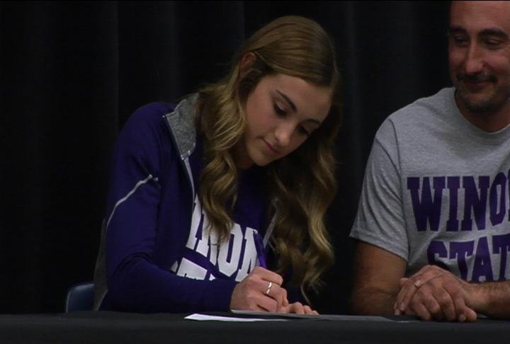 Bloomer's Kendall Zeman signs with Division II Winona State