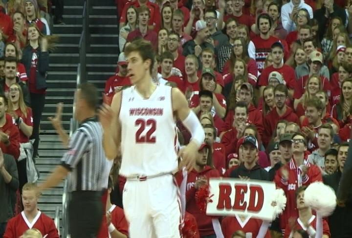 Ethan Happ has 20 points as Wisconsin wins its season opener