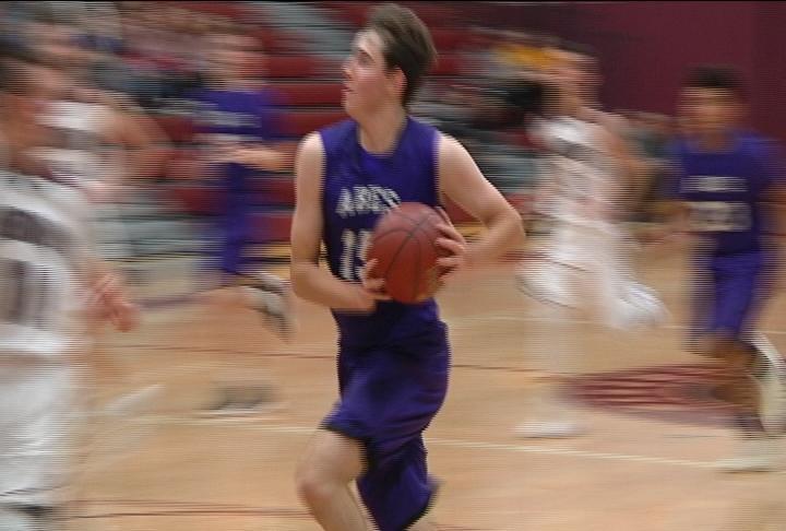 Tanner Kohlhepp goes to the hoop as EC Memorial edges Menomonie