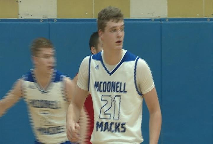 Hayden Baughman has 31 points to lead McDonell past Colfax