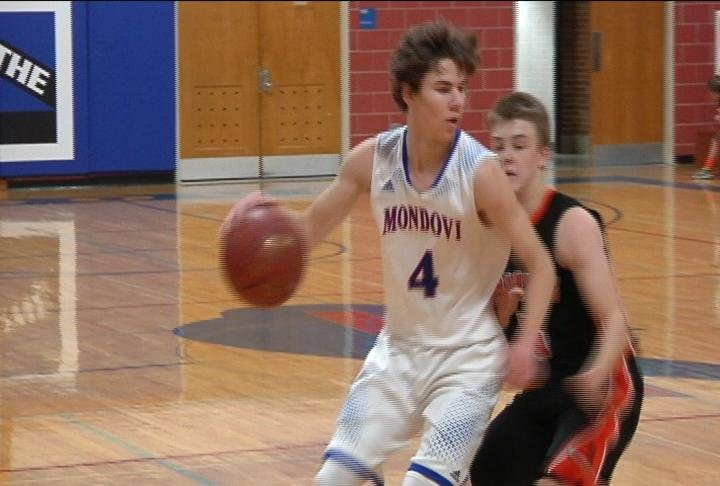 Mondovi's Avery Hoepner goes to the hoop