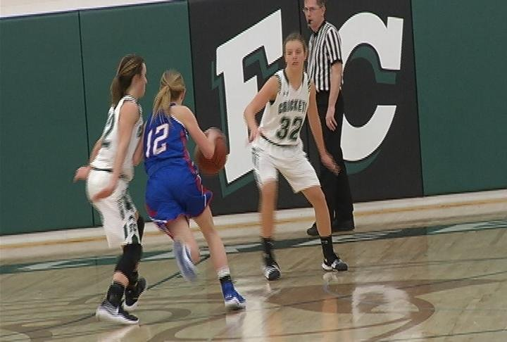 Mondovi's Haley Poeschel drives for 2