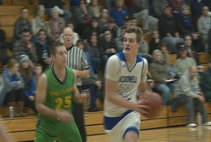Hayden Baughman scores 25 points to lead the Macks past the Ramblers