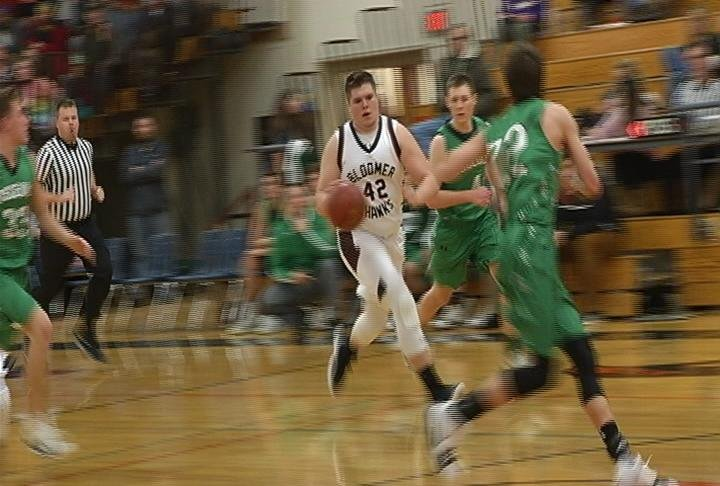 Payton Dachel drives to the hoop as Bloomer stays unbeaten