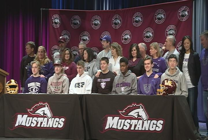 Menomonie's Justin Evans & Ben Newman commit to Division II, while 5 of their teammates decide to go Division III