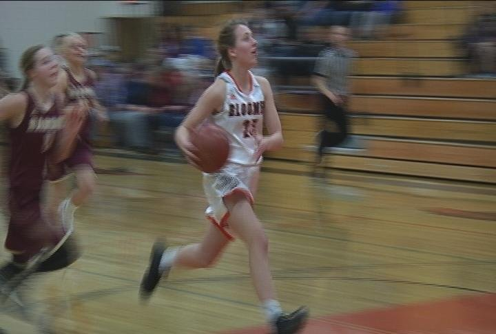 Rilee Luzinski scores a breakaway as Bloomer rolls past Barron