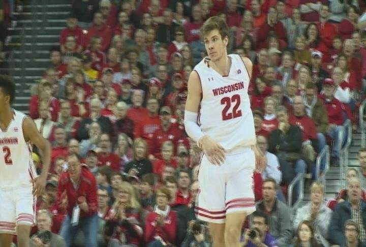 Ethan Happ scores a game high 29 points, but Wisconsin falls to Michigan