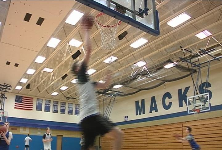 The Macks are back in Sectionals for the 4th straight season