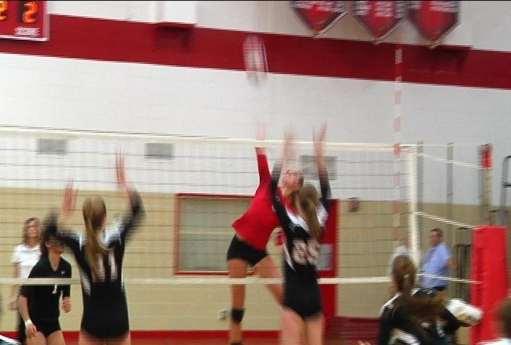 Chippewa Falls drops a non-conference match to Marshfield