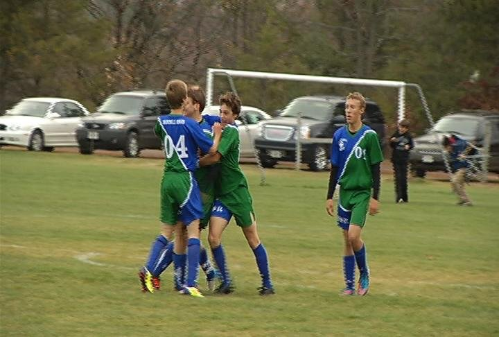 A late goal gives McDonell/Regis a 2-1 win over Barron in Division 3