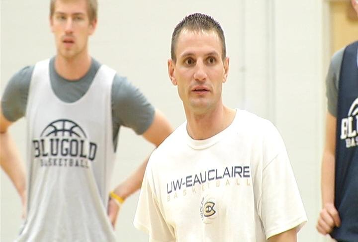 UWEC men's basketball coach Matt Siverling