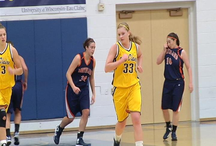 Courtney Lewis leads UWEC with 18 points in a win over Northland