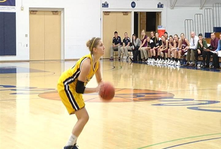 Leah Rempert & UWEC earn a conference win