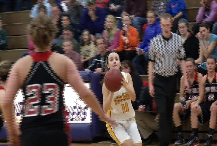 Durand's Sarah Weber lines up a 3-pointer as the Panthers defeat Altoona
