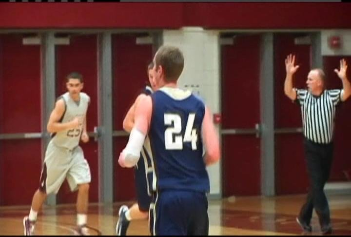 Dustin Kalien (#24) hits 4-5 3-pt. FG's to help UWEC to a win at UWL