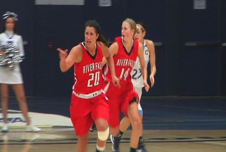 Brittany Gregorich (#20) has 15 points &amp; 15 rebounds as UWRF wins in overtime at UW-Stout