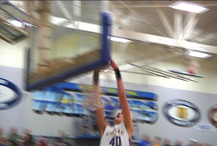 Ellwood Ellenson throws down in Rice Lake's win over Hudson
