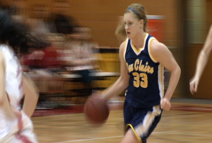 UWEC women can't overcome the Falcons