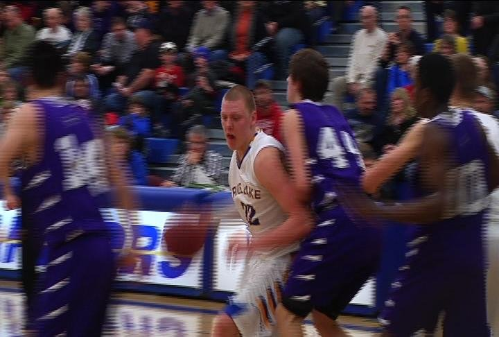 Rice Lake's Henry Ellenson has 34 points &amp; 12 boards as the Warriors win at home over EC Memorial