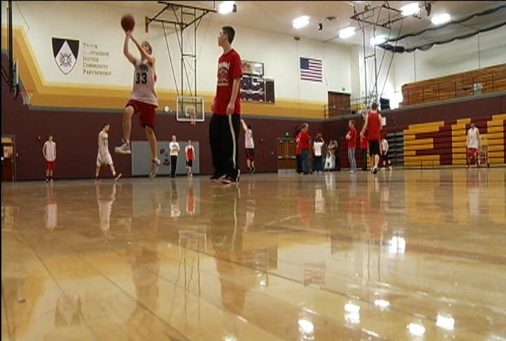 Elmwood holds Wednesday's practice at Edgewood H.S. in Madison
