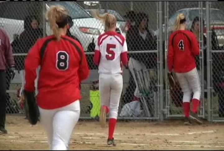 Chippewa Falls splits a softball doubleheader at Holmen