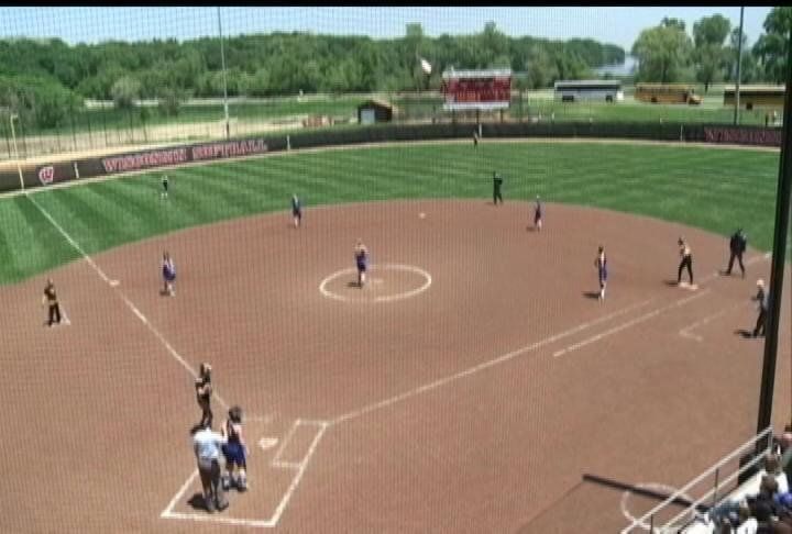 Shell Lake drops an extra-inning game at state to Algoma