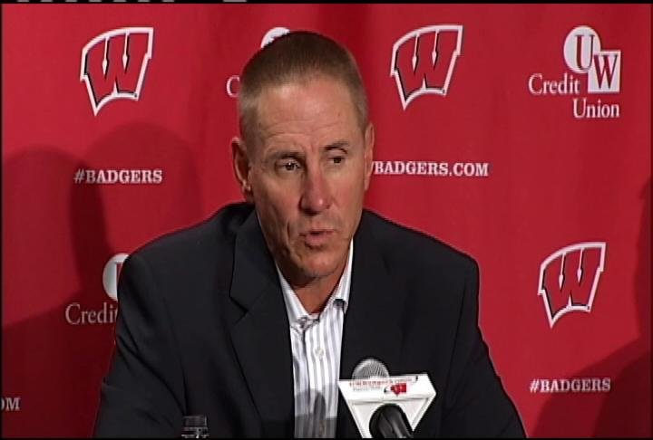 Gary Andersen says he won't publicly announce starting QB