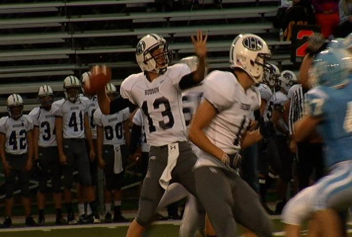 Hudson QB Landry Otten throws 3 1st-half TD passes in a win at EC North