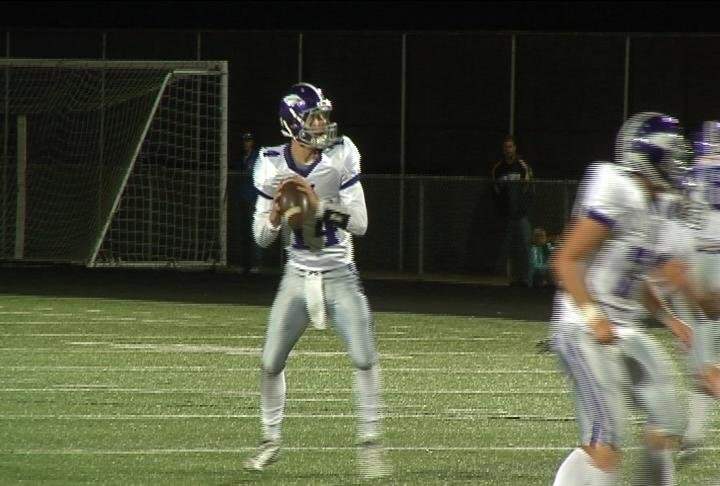 EC Memorial's Ben Everhart tosses 6 TD passes in a win at Chippewa Falls