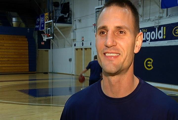 UWEC MBB coach Matt Siverling