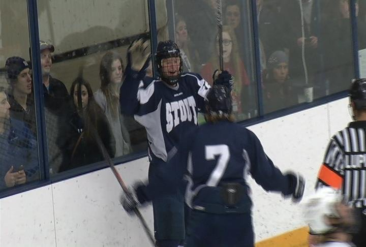 Stout scores two 3rd peiod goals to beat UWEC
