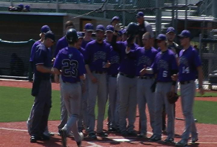 Henry Eilen hits two homers in the Abes win