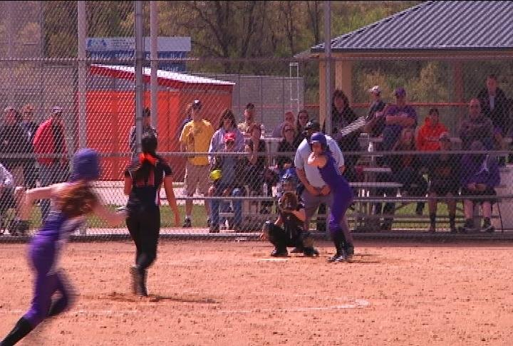 Augusta hands Elk Mound their 2nd loss of the year