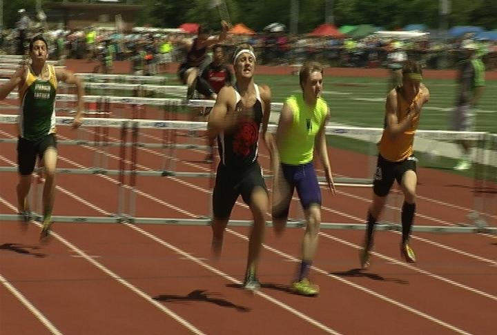 Somerset's Max Praschak defends his hurdles title