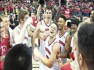 Wisconsin upsets Michigan State