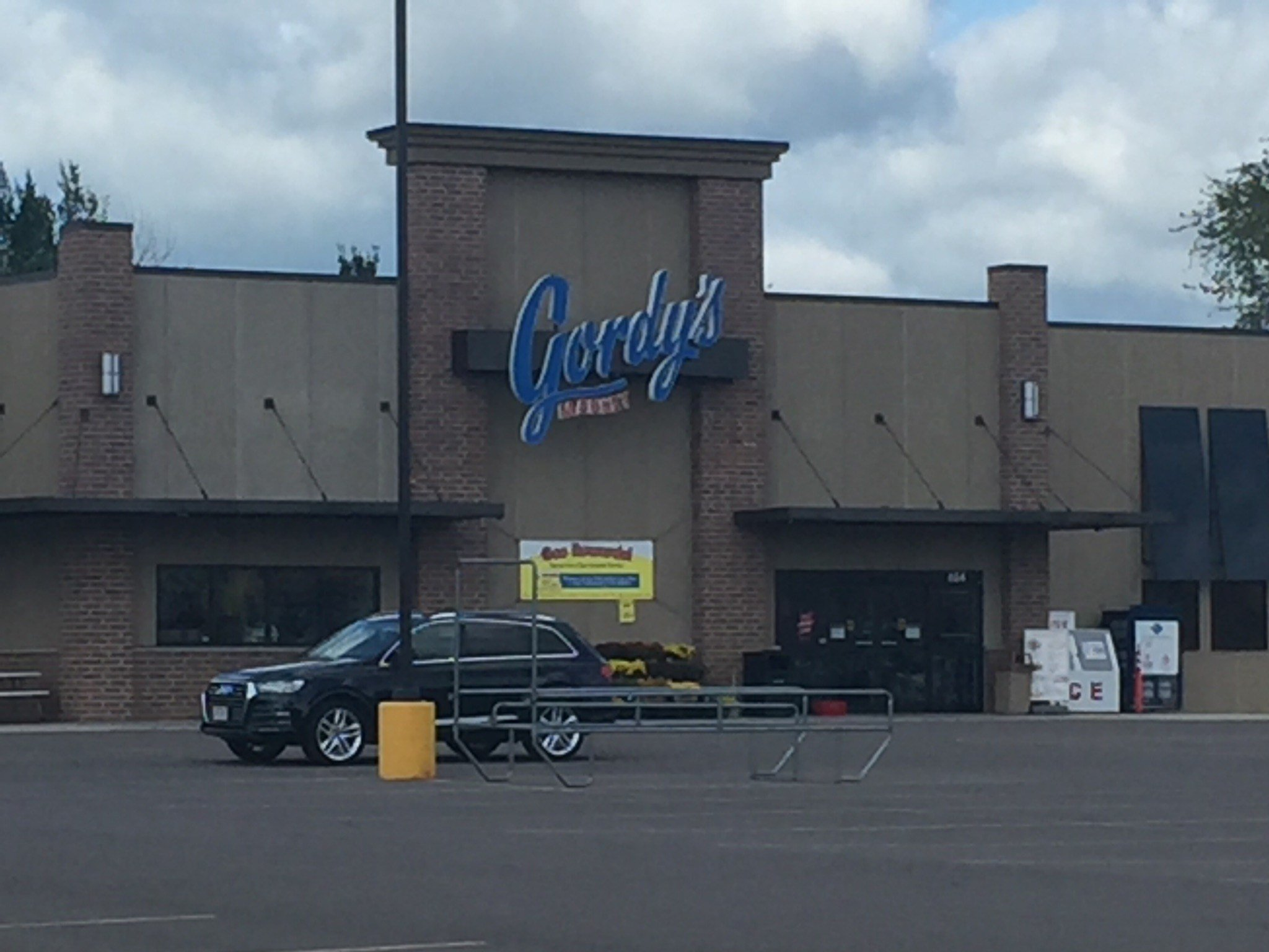 Gordy 39 s market closes underperforming stores in stanley for Michaels crafts wausau wi